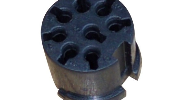 各种注塑加工设备液压泵中里液压油的使用